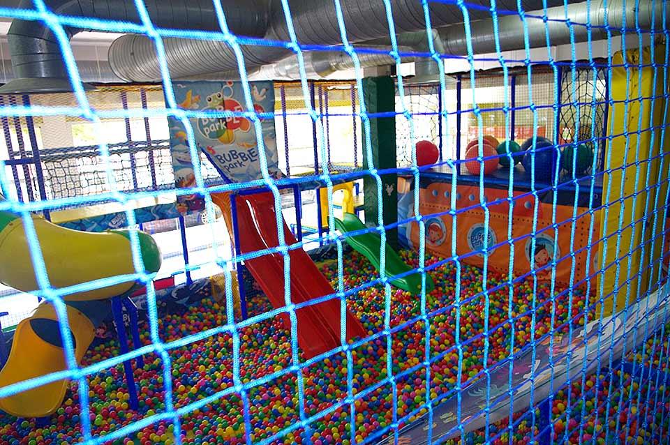 Red perimetral para parques infantiles