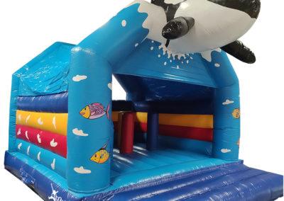 Castillo hinchable ballena